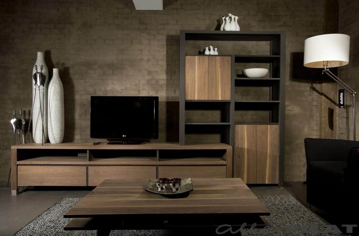 Noten tv-meubel \'Heech en Leech\' met boekenkast - Woonwinkel Alle Pilat