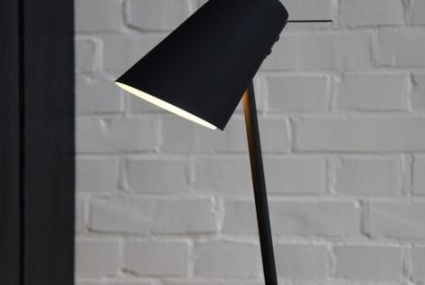 combineren met Zwarte vloerlamp Zenz