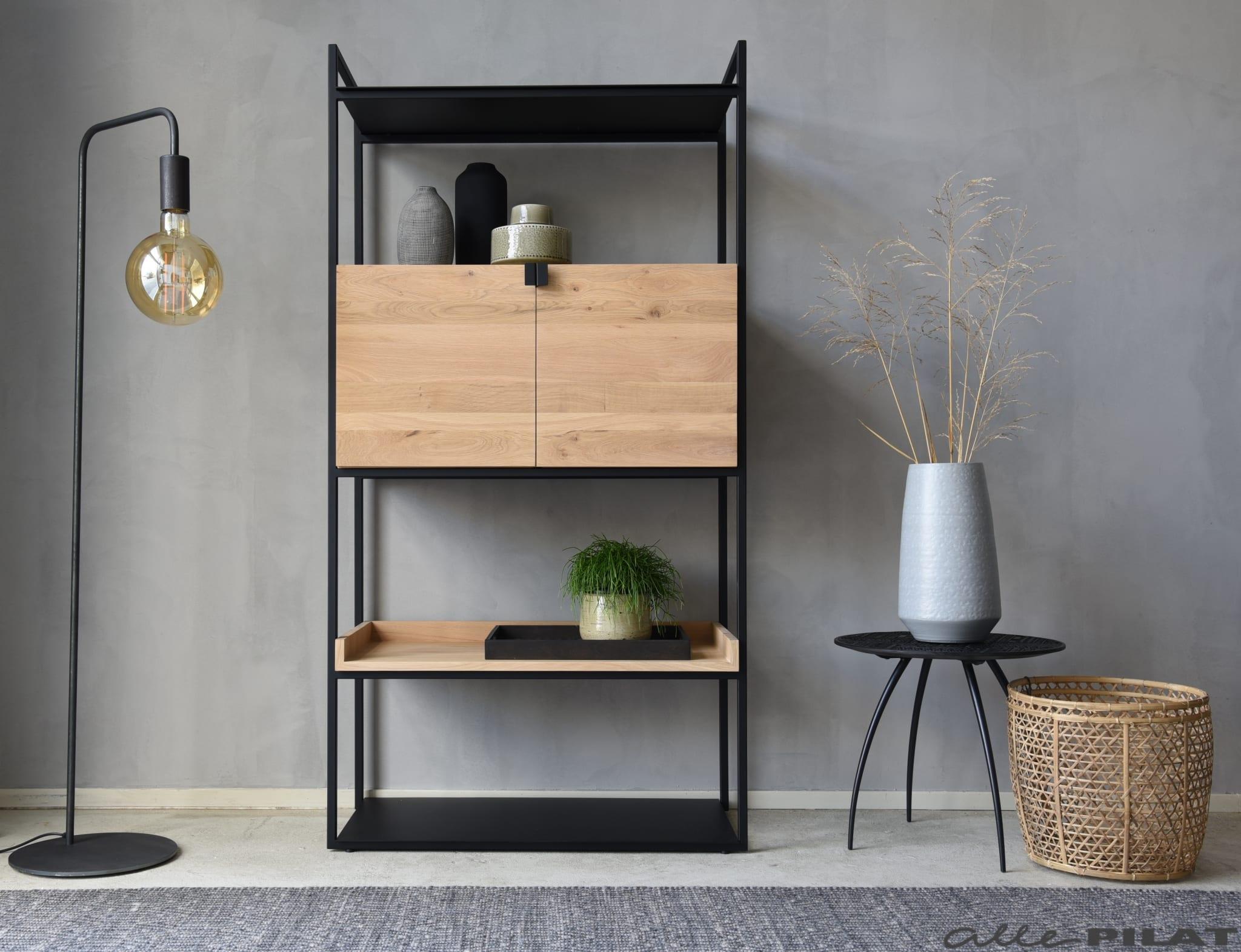 Eiken Vakken Kast Mono Met Zwart Frame Woonwinkel Alle Pilat